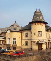 Arany Páva hotel-étterem